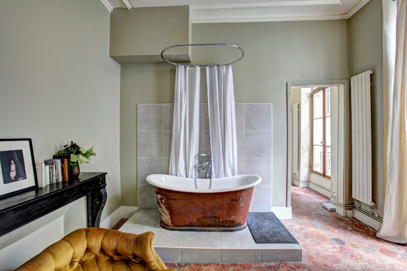 Pick the Perfect Neutral Bathroom Color